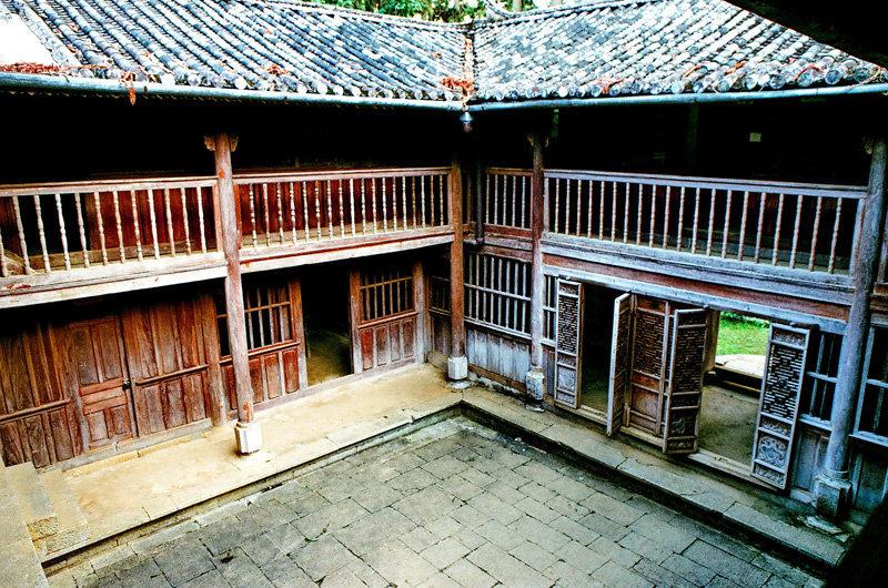 Top 10 Địa điểm du lịch Hà Giang dinh thự họ vương