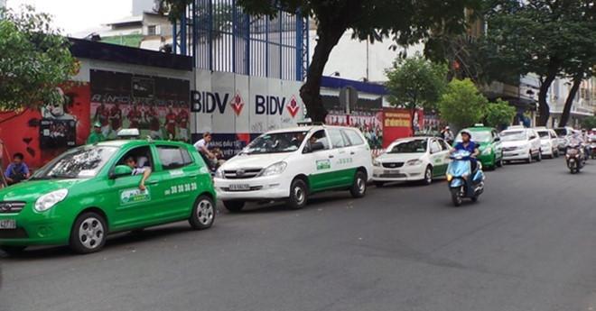 hang-nghin-lao-dong-nghi-viec-vi-uber-grab