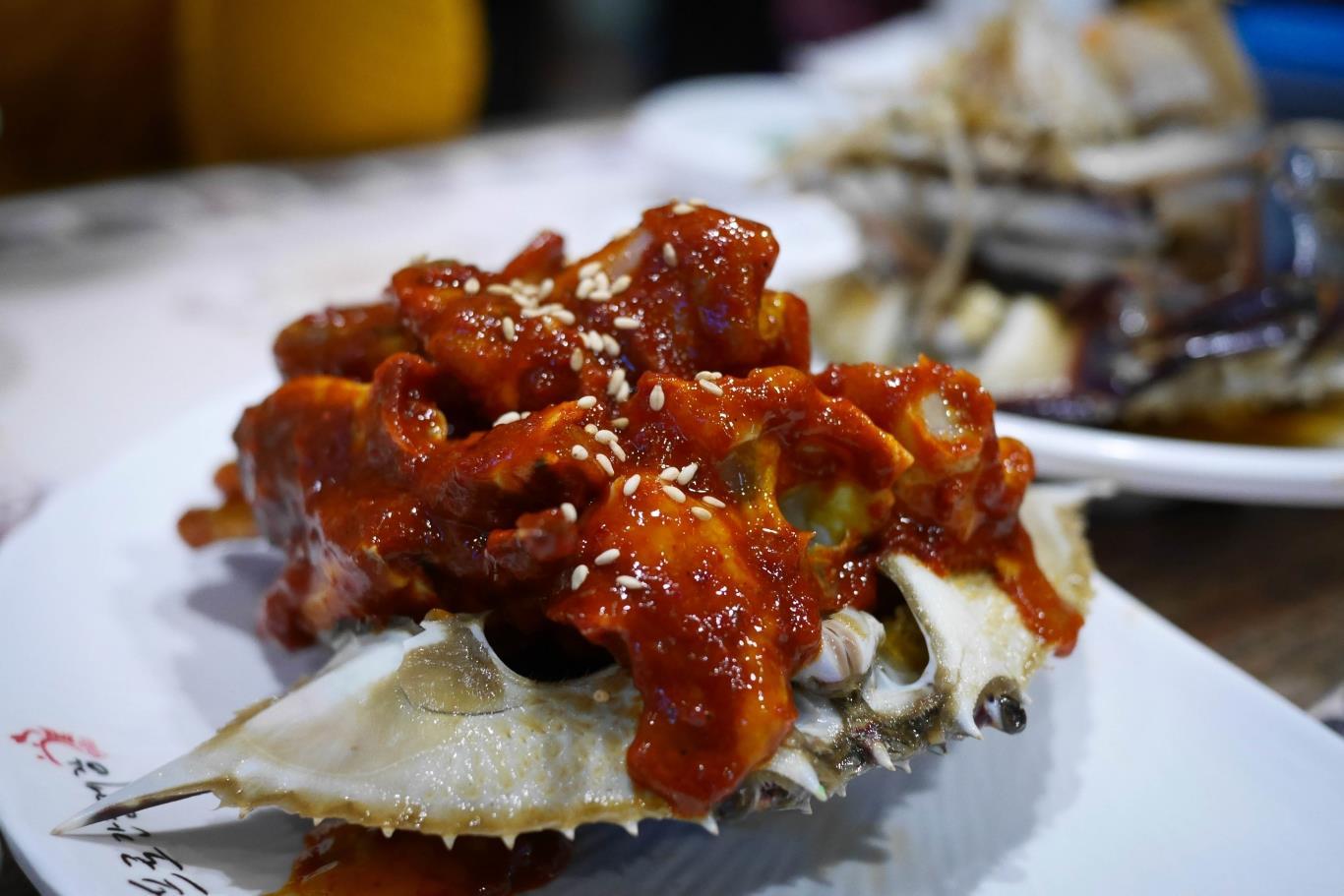 Những ẩm thực bạn nhất định phải thử khi đến Hàn Quốc cua càng xanh