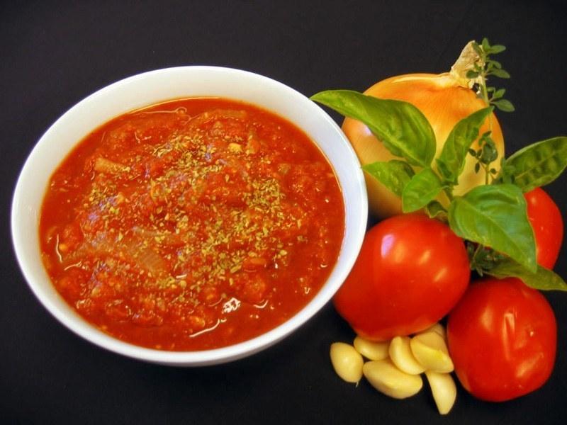 top-5-loai-thuc-pham-tot-nhat-cho-dan-ong nước sốt cà chua