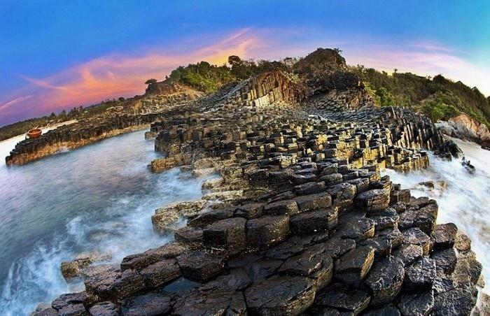 Top 5 điểm du lịch nổi tiếng của Phú Yên gành đá đĩa